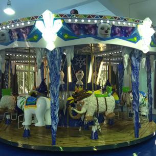 16座冰雪轉馬16 seater ice carousel
