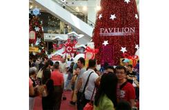 馬來西亞某商場中廳圣誕節上的摩天輪