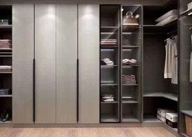 如何延长整体定制衣柜的使用寿命?赣州华永居建材为您介绍