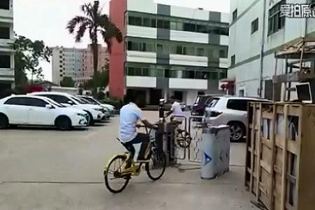 人脸识别摆闸过自行车演示视频